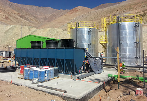 Mine acid mine drainage treatment plant in Chile with Longbox Clarifier